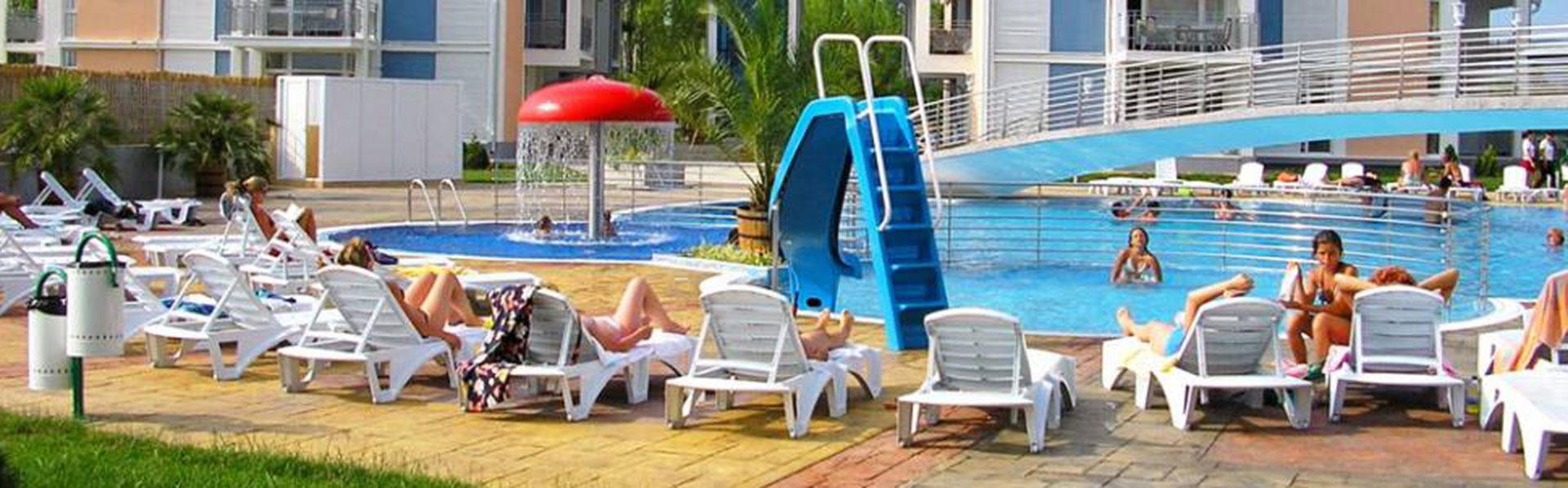 Апарт Хотел Елит 2, басейни